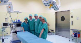 Clínica Mompía Dona Material Sanitario A Tindouf