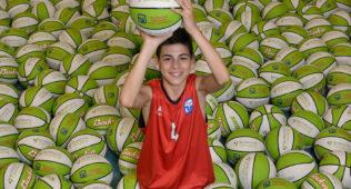 La Competición Igualatorio Cantabria De La Liga Minibasket Ya Tiene Balón Oficial